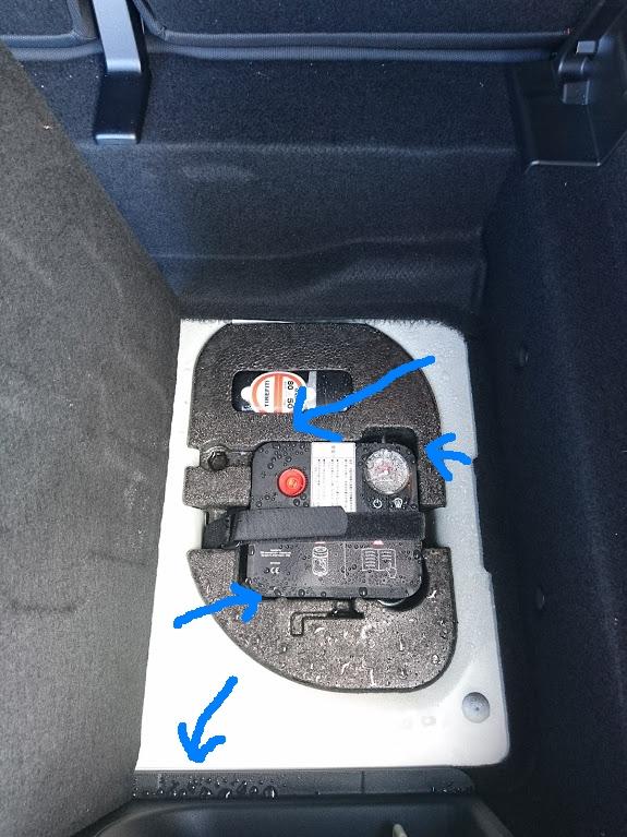 MINI トランク 水濡れ 雨漏り かび BMW
